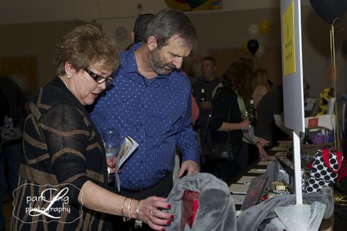 Auction Mt Hebron Ellicott City photographer Pam Long Photography