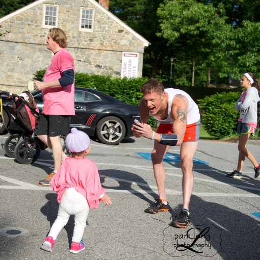 5K race Ellicott City Dad with baby Pam Long Photography 1