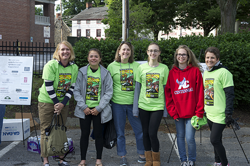 Volunteers for 5K race Ellicott City Pam Long Photography